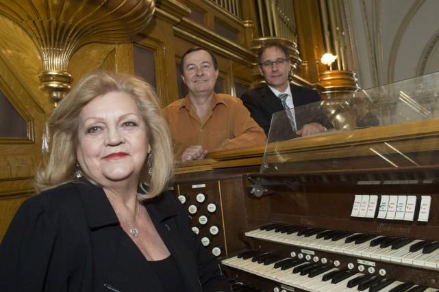 C'est à Claudette Auchu, la plus célèbre organiste...