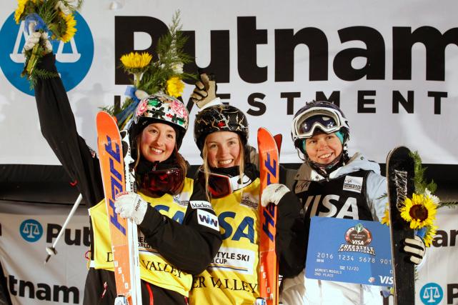 JustineDufour-Lapointe (au centre) a remporté la médaille d'or... (Photo George Frey, AP)