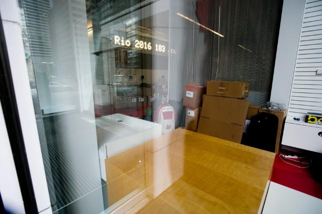 Plusieurs boîtes de carton empilées les unes sur... (PHOTO FRANÇOIS ROY, LA PRESSE)