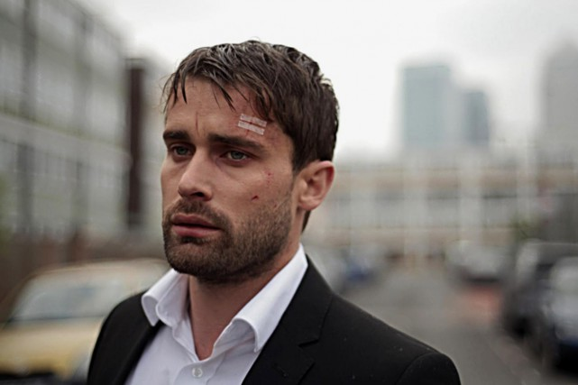 Christian Cooke dans le rôle de Jon Swift dans... (PHOTO FOURNIE PAR LA PRODUCTION)