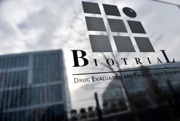 Malgré l'hospitalisation d'un volontaire, Biotrial a poursuivi ses... (PHOTO LOIC VENACE, ARCHIVES AFP)