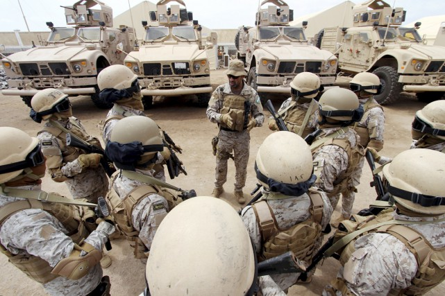 Des soldats saoudiens à Aden, au Yémen, le... (PHOTO FAISAL AL NASSER, ARCHIVES REUTERS)