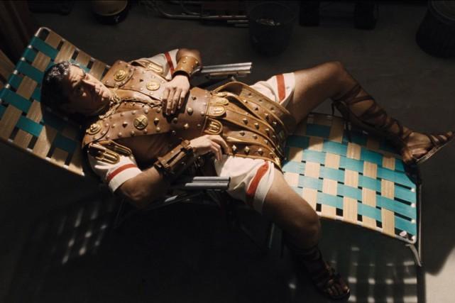 Dans Ave, César!,George Clooney incarne une vedette de... (Fournie par Universal Pictures)