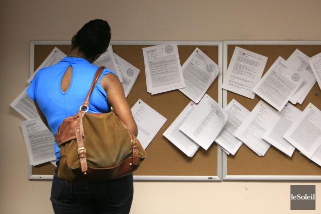 Au Québec, l'emploi a peu varié pour le... (Photothèque Le Soleil, Associated Press)