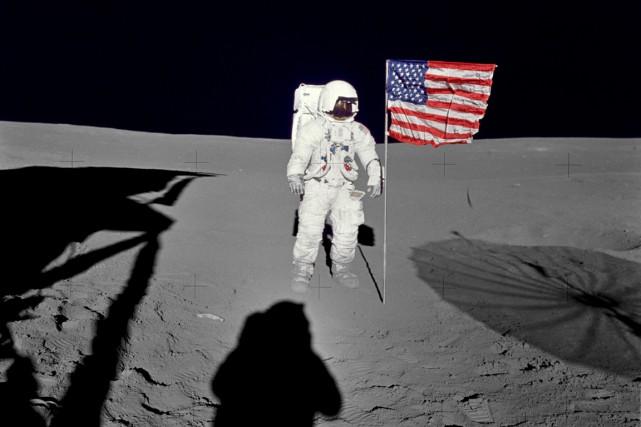 Edgar D. Mitchell est l'un des 12 hommes... (Photo AFP)