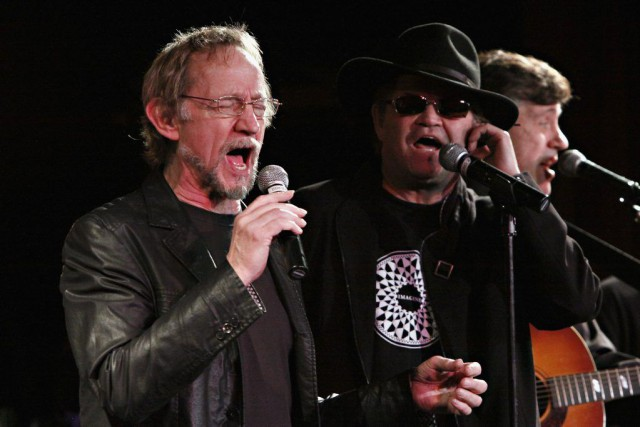 Peter Tork et Micky Dolenz des Monkees en... (PHOTO CINDY ORD, ARCHIVES AFP)