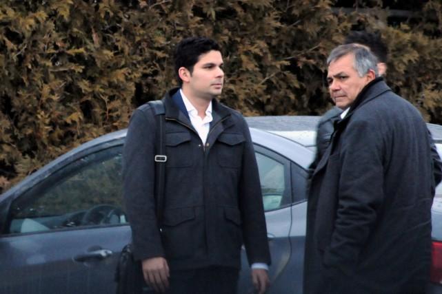 Ian Martinez en compagnie d'un proche.... (Collaboration spéciale, Éric Beaupré)