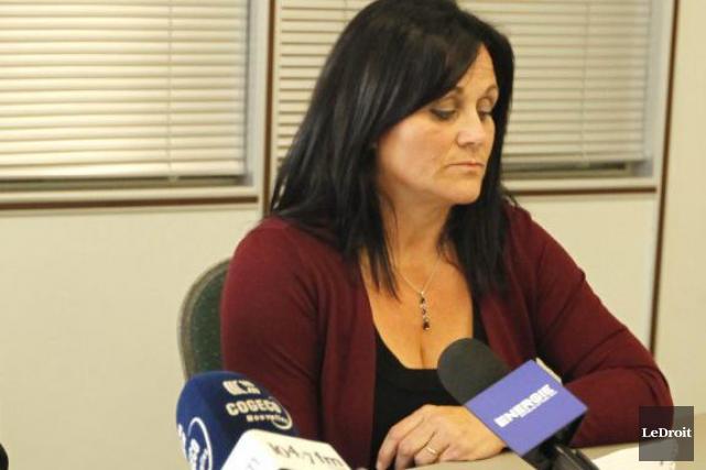 Manuela Gonzalez, lors d'une conférence de presse en... (Simon Séguin-Bertrand, Archives LeDroit)