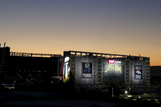Qui remportera la 50e édition du Super Bowl, dimanche à San Francisco? Les... (Photo AP, Charlie Riedel)