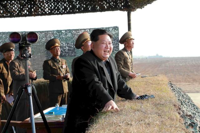 Le président nord-coréen, Kim Jong-Un... (PHOTO ARCHIVES AP/AGENCE KCNA)