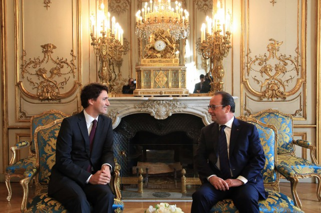 Le président français François Hollande a offert à... (photo thibault camus, archives agence france-presse)