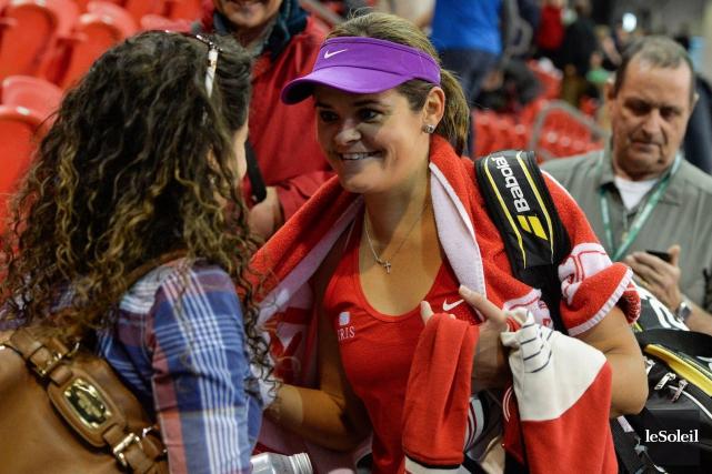 Aleksandra Wozniak était tout sourire après sa victoire.... (Le Soleil, Caroline Grégoire)