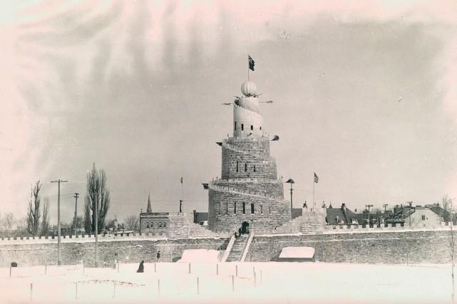 Le palais de glace en 1895... (Bibliothèque et Archives nationales, P600,S6,D1,P825)