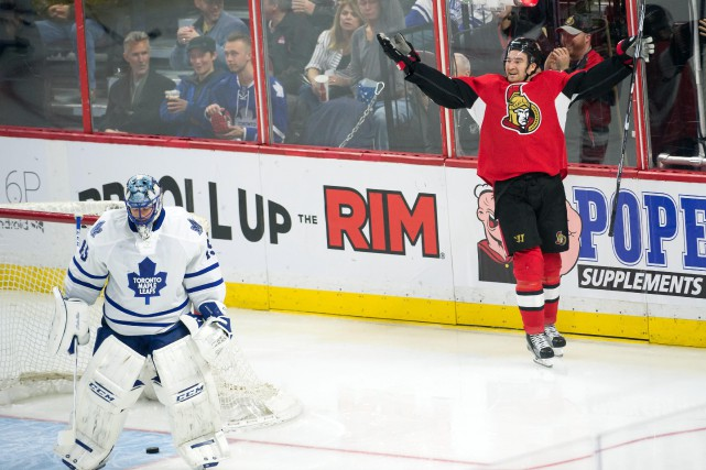 Mark Stone célèbre son but en troisième période,... (PHOTO MARC DESROSIERS, USA TODAY)