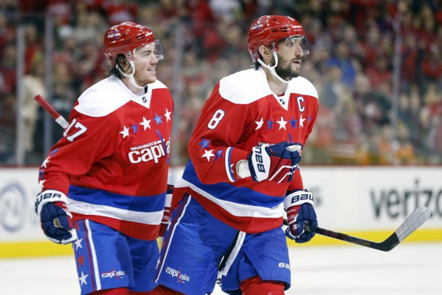 Ovechkin a rejoint Wayne Gretzky et Mike Gartner... (PHOTO GEOFF BURKE, USA TODAY)