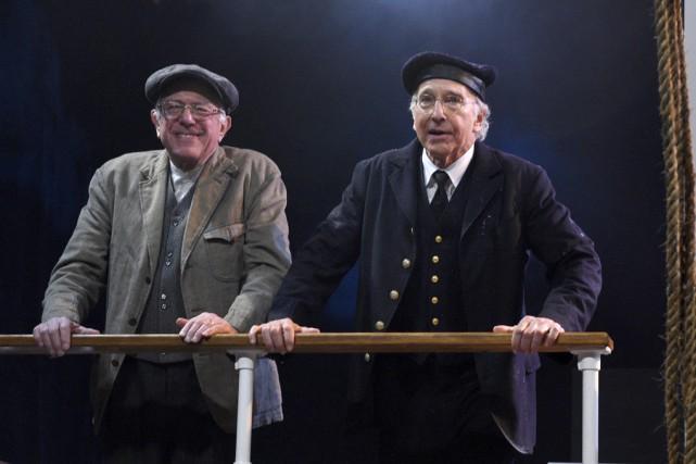 Le candidat démocrate Bernie Sanders (à gauche) a... (Associated Press)