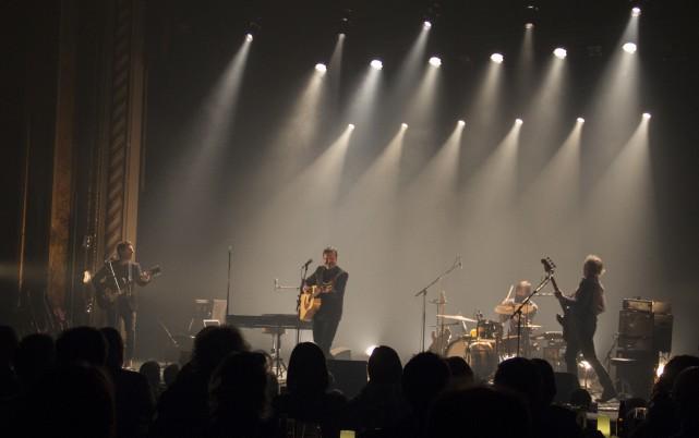 Accompagné par un trio fort de musiciens, Pierre... (Spectre Média, Marie-Lou Béland)