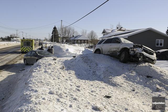 Un accident est survenu à La Baie dimanche.... (Photo Le Quotidien, Mariane L. St-Gelais)