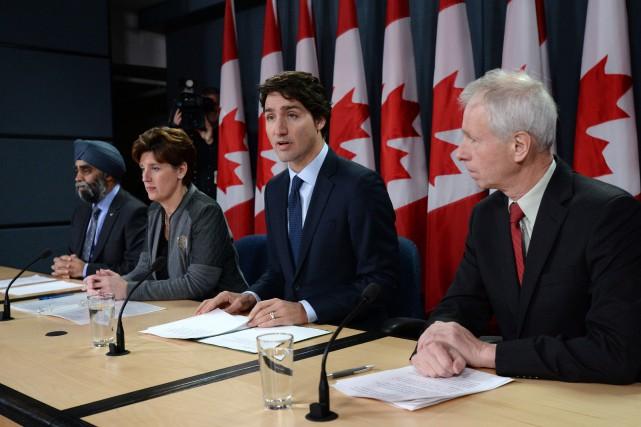 Leministre de la Défense, Harjit Sajjan, laministre du... (PHOTO SEAN KILPATRICK, LA PRESSE CANADIENNE)