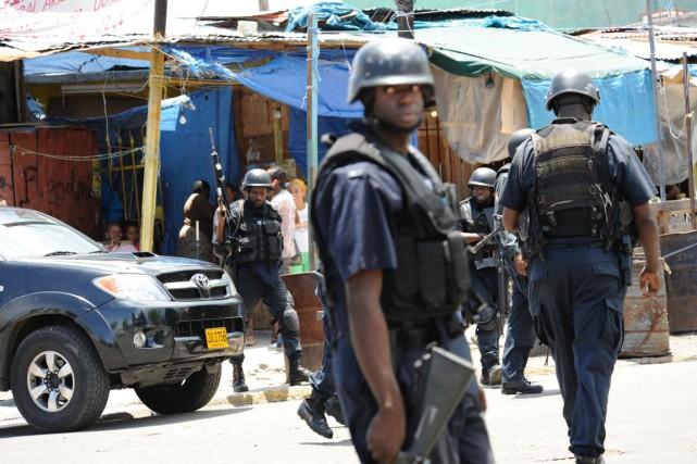 Les armes sont répandues en Jamaïque et le... (PHOTO ANTHONY FOSTER, ARCHIVES AFP)