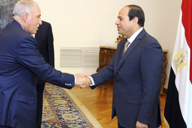 Le ministre de la Justice Ahmed el-Zind (à... (PHOTO ARCHIVES PRÉSIDENCE ÉGYPTIENNE/AP)