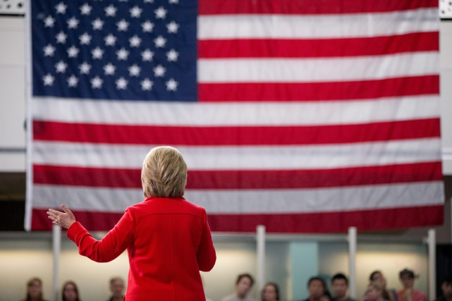 « Hillary Clinton s'est placée dans une position de... (Photo Andrew Harnik, archives Associated Press)