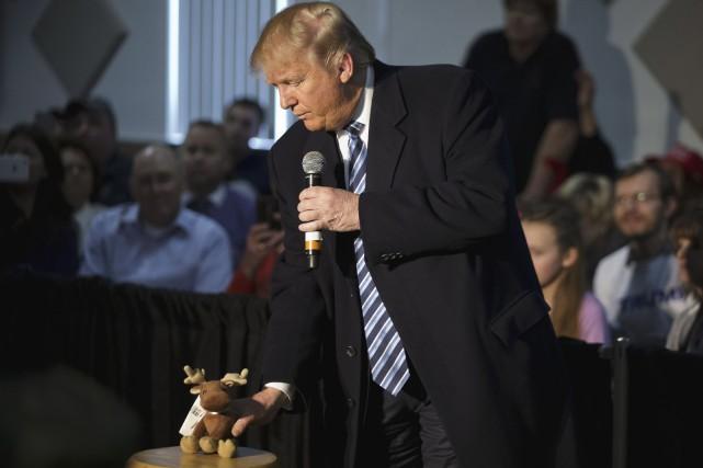 Le milliardaire Donald Trump est largement en tête... (AP, David Goldman)
