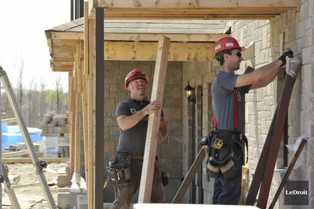 Gatineau assure ne pas vouloir ralentir la cadence du développement résidentiel... (Martin Roy, Archives LeDroit)
