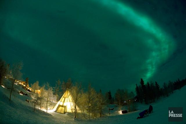 Quand les aurores apparaissent, les tipis se vident,... (PHOTO BERNARD BRAULT, LA PRESSE)