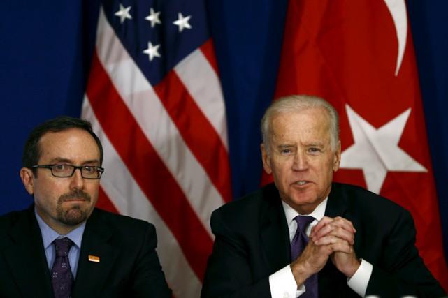 L'ambassadeur des États-Unis en Turquie John Bass est... (PHOTO REUTERS)