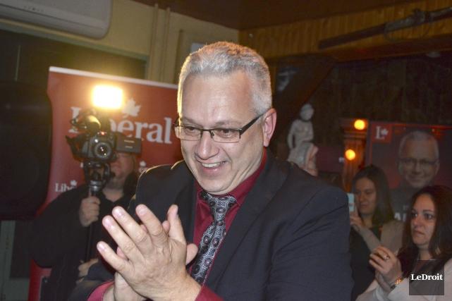 L'ex-conseiller Stéphane Lauzona empoché un chèque de plus... (Benoit Sabourin, Archives LeDroit)
