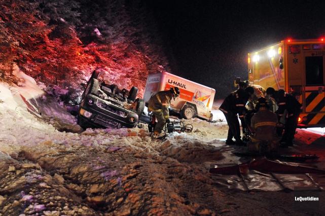 Accident sur la route 175 à Chicoutimi... (Photo Le Quotidien, Jeannot Lévesque)