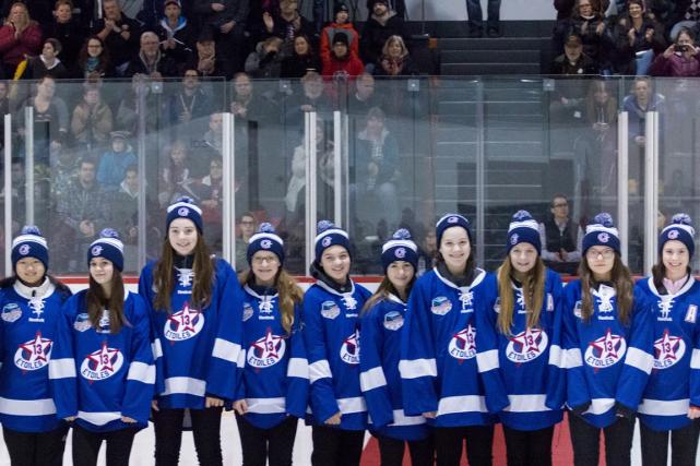 «Équipe Québec féminine» participera au Tournoi international pee-wee... (Photo fournie par Céline Gélinas)