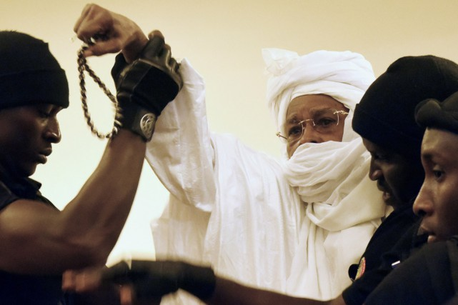 Hissène Habré comparaît devant les Chambres africaines extraordinaires... (PHOTO ARCHIVES AFP/SEYLLOU)