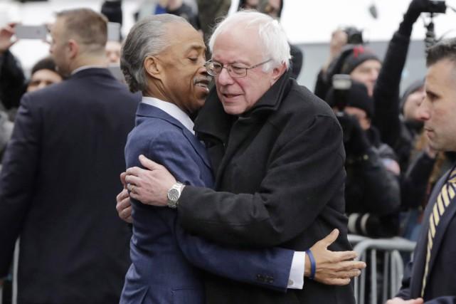 Bernie Sanders a rencontré à Harleml'une des figures... (PHOTO RICHARD DREW, AP)