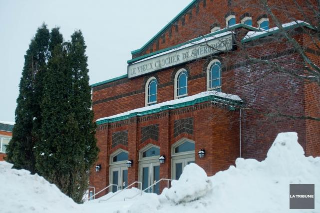 Le bâtiment ayant abrité l'ancien Vieux clocher de Sherbrooke pourrait à... (Archives La Tribune, Jessica Garneau)