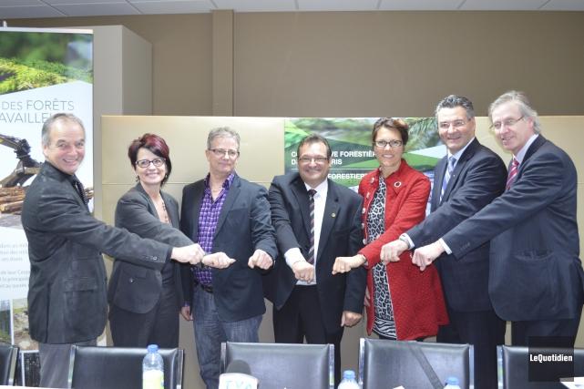 Laval Girard, du CLD Lac-Saint-Jean, Chantale Tremblay, d'investissement... (Photo Le Quotidien, Louis Potvin)