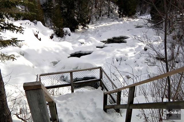 La rivière Jaune (photo), qui prend sa source... (Le Soleil, Frédéric Matte)