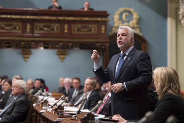 Le premier ministre Philippe Couillard a été sur... (La Presse Canadienne, Jacques Boissinot)