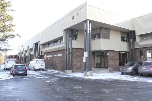 L'agrandissement de l'école Saint-Vincent devrait être prêt en... (Photo archives La Voix de L'Est)