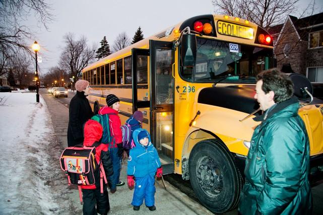Près de 700 élèves de trois écoles à... (PHOTO ALAIN ROBERGE, LA PRESSE)