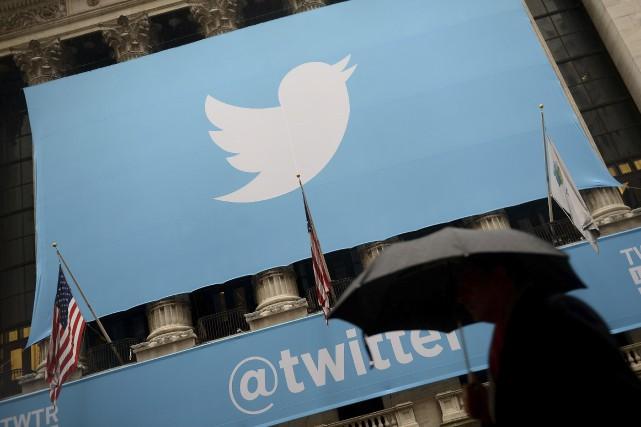 La croissance du nombre d'utilisateurs du réseau social Twitter a été... (Archives AFP)