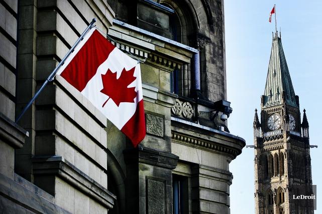 L'économie canadienne croit moins vite prévu. Et les finances du gouvernement... (PHOTO Etienne Ranger, Archives LeDroit)