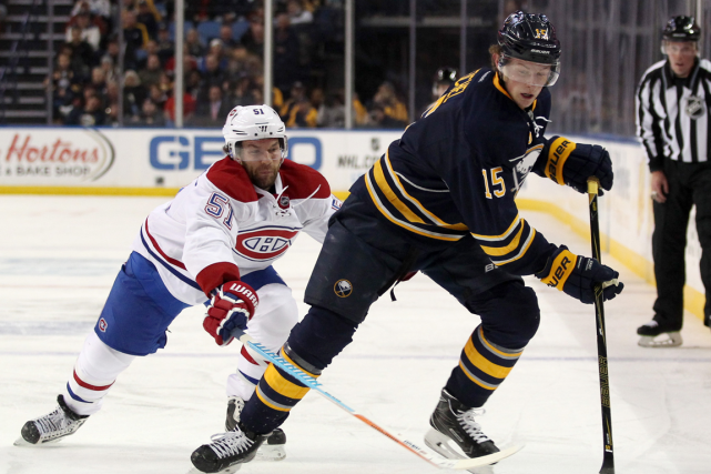 David Desharnais et Jack Eichel... (Photo Timothy T. Ludwig, archives USA Today)