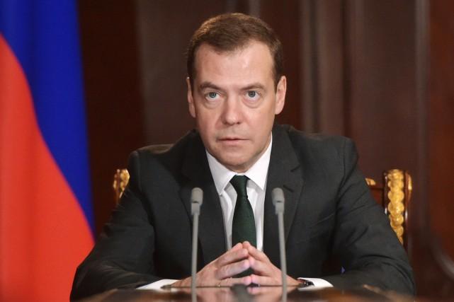 Le premier ministre russe Dmitri Medvedev... (Archives Sputnik/AP, Alexander Astafyev)