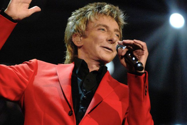 Barry Manilow... (Photo: AP)