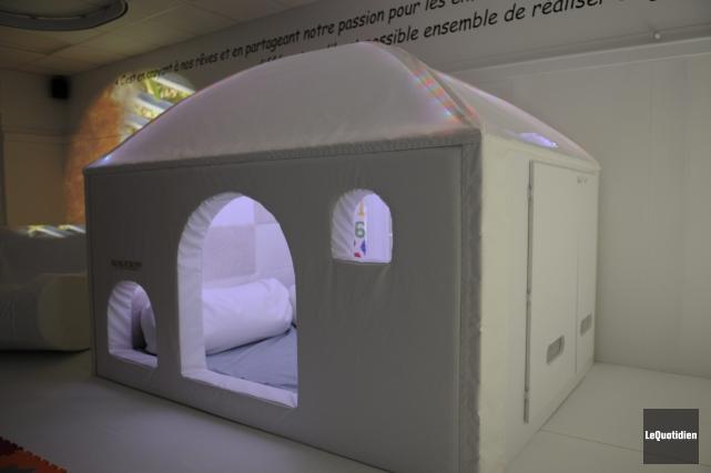 La salle mulisensorielle Maurice-Tanguay a été inaugurée à... (Photo Le Quotidien, Mariane L. St-Gelais)