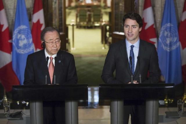 En point de presse jeudi avec le secrétaire... (Chris Roussakis, AFP)
