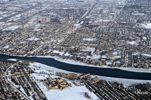 Les propriétaires de biens immobiliers en difficulté de... (PHOTO BERNARD BRAULT, ARCHIVES LA PRESSE)