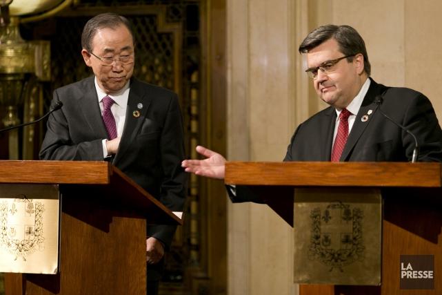 Ban Ki-moon aux côtés du maire de Montréal,... (PHOTO FRANCOIS ROY, LA PRESSE)